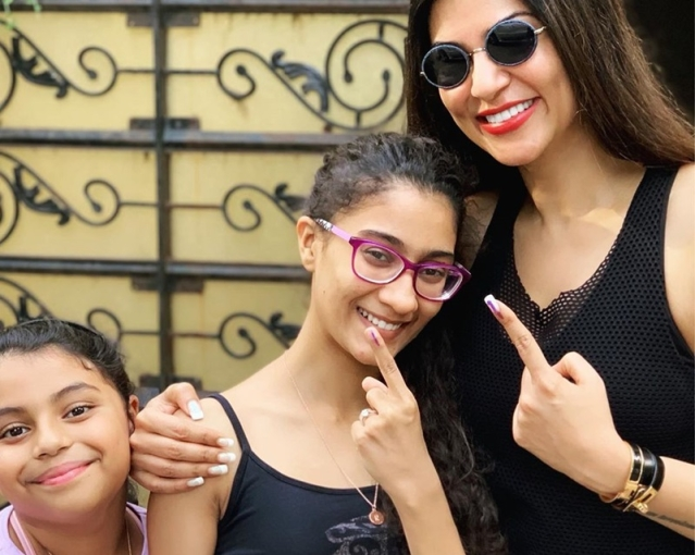 Mother's Day 2019: Single moms of Bollywood redefining women empowerment