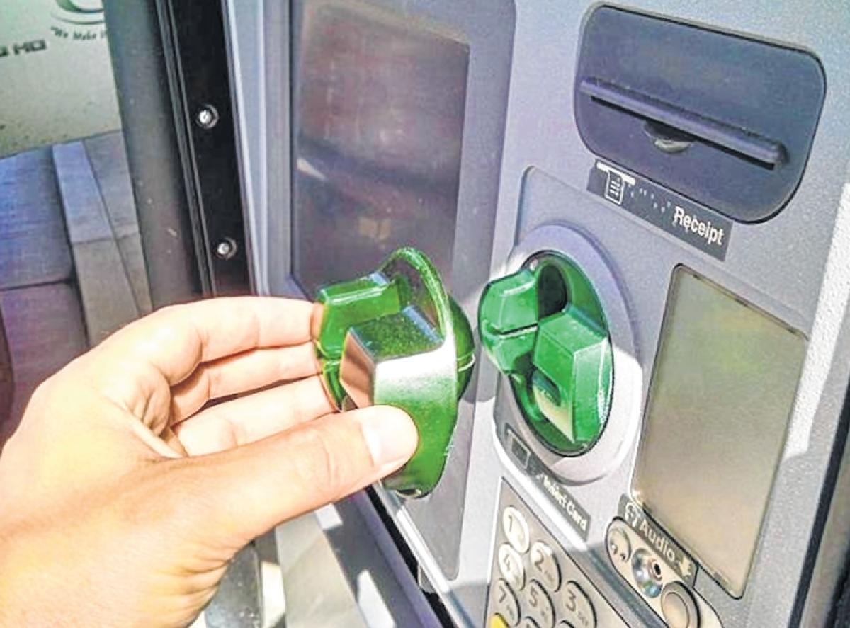 Mumbai: Alert customer helps bank spot ATM skimmer, two Nigerians arrested