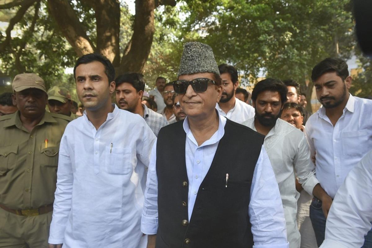 Like 'khaki nikkar,' Nathuram Godse an identity of RSS: Azam Khan
