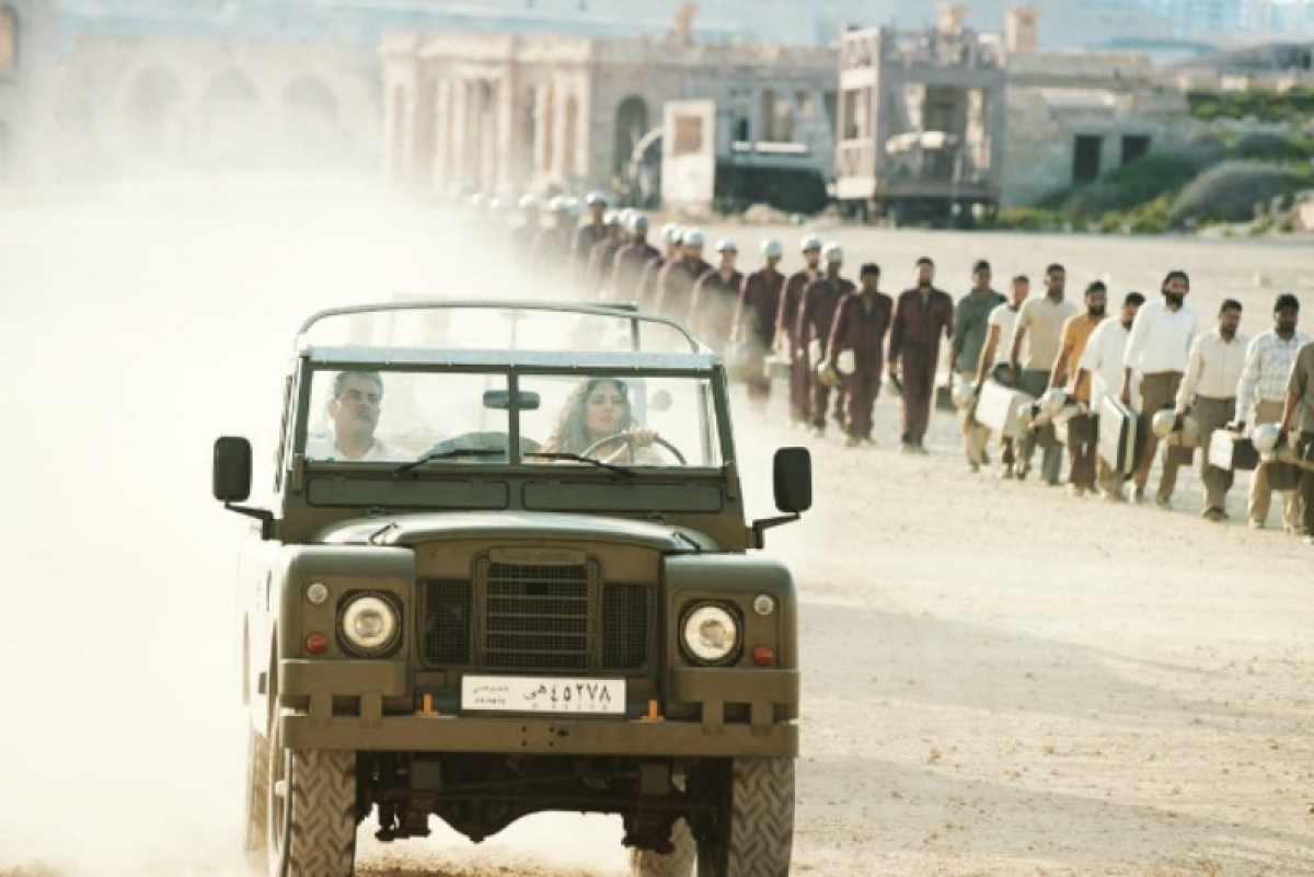 Katrina Kaif looks fierce while driving classic 1960s Land Rover on sets of Bharat