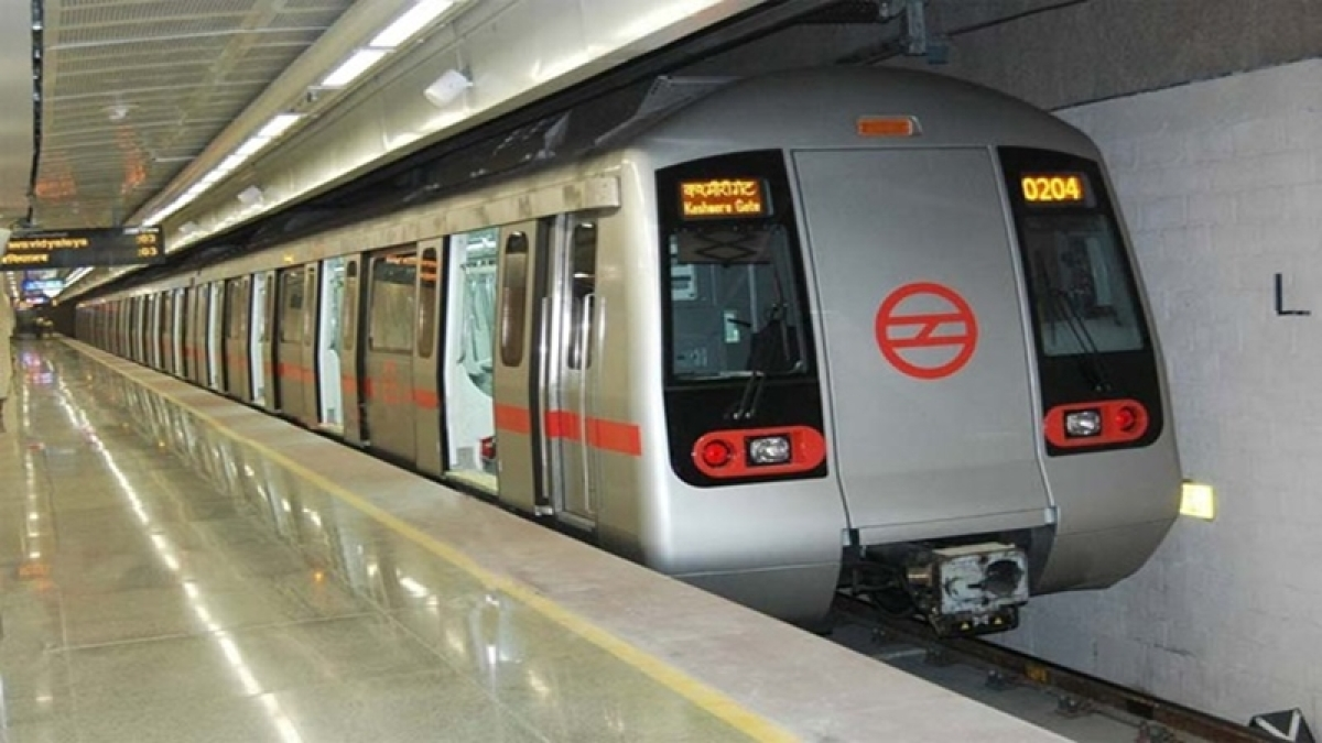 Metro Blue Line suffers technical snag, causes inconvenience on Raksha Bandhan