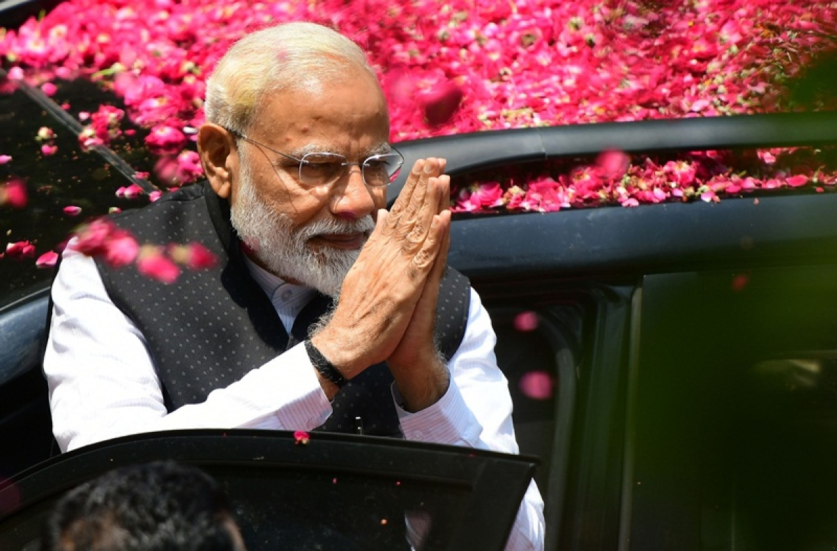 Days after terming him 'Bhrashtachari No.1', PM Narendra Modi pays tribute to Rajiv Gandhi on his death anniversary