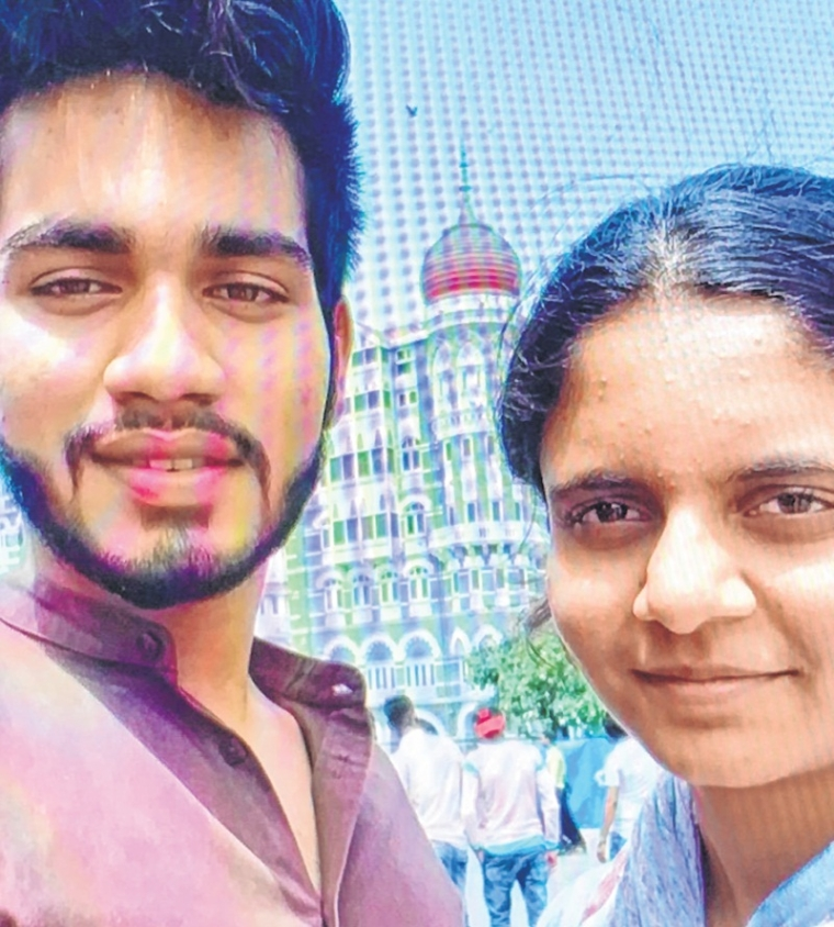 Mumbai: Police books family of teenager, who apprehendedSairat -like end to her relationship