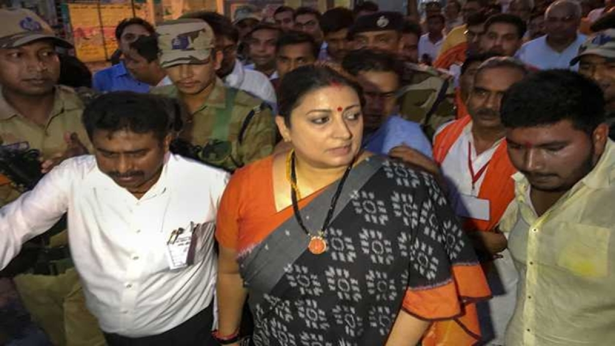 Smriti Irani reaches Amethi, 7 suspects detained in aide's murder