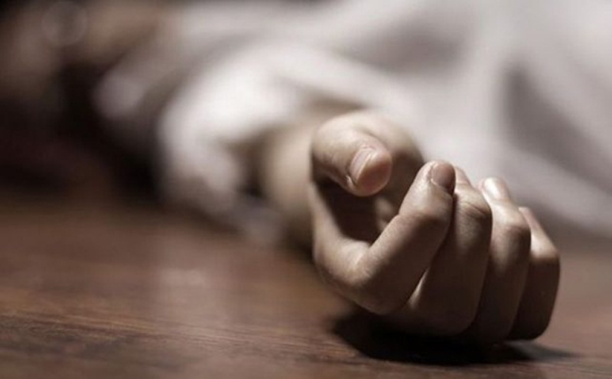 Mother, cricketer son commit suicide in Virar