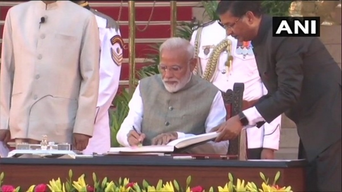 Kins of BJP workers killed in WB and Pulwama martyrs attend Modi's swearing-in