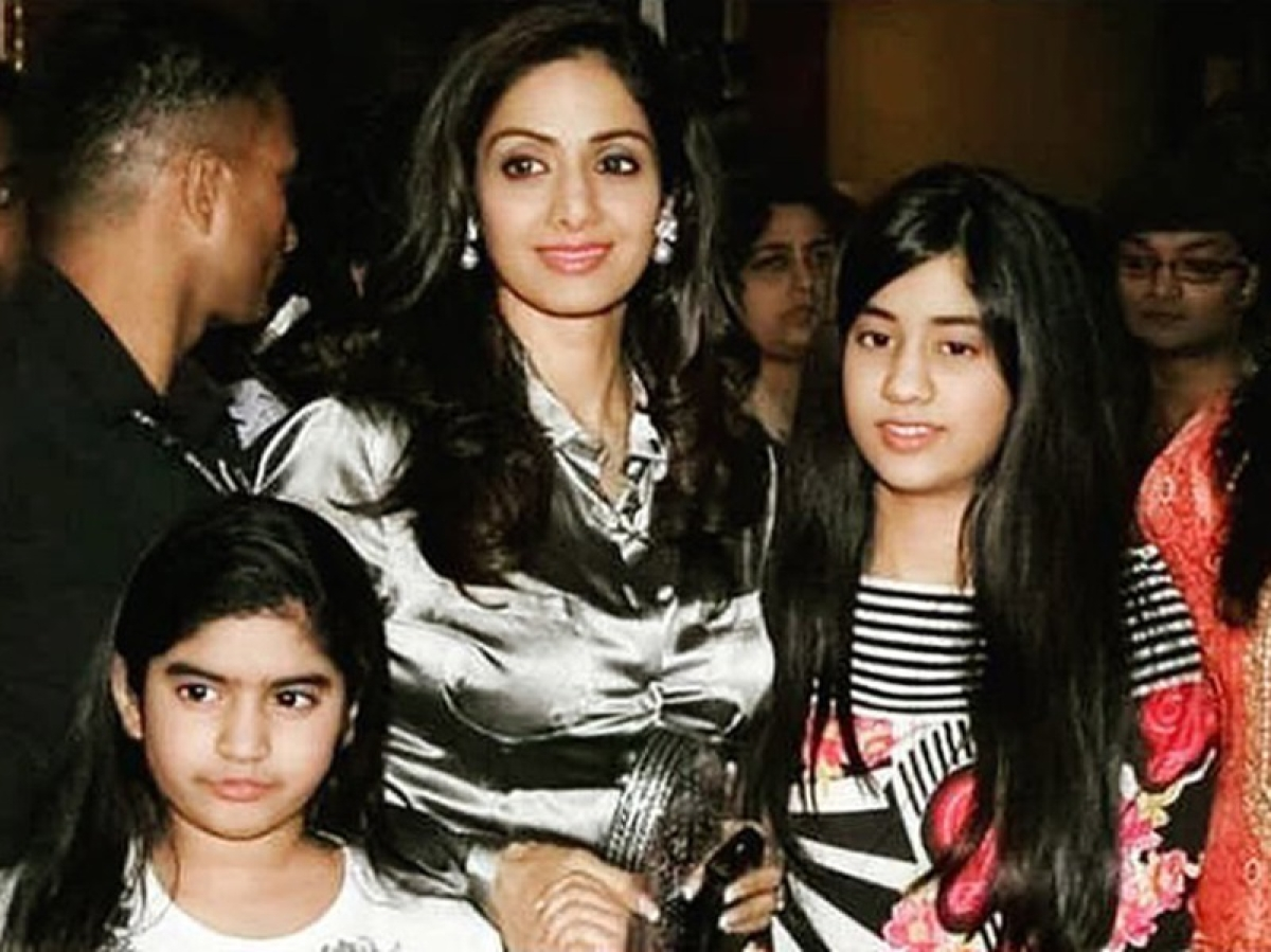 Throwback picture of Sridevi with daughters Janhvi and Khushi is going viral on social media