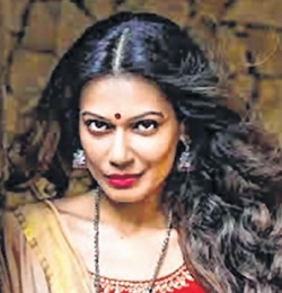 Actor stokes 'Sati'fire on Twitter