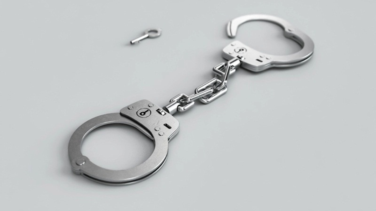 BJP, MNS men clash in Thane, two arrested