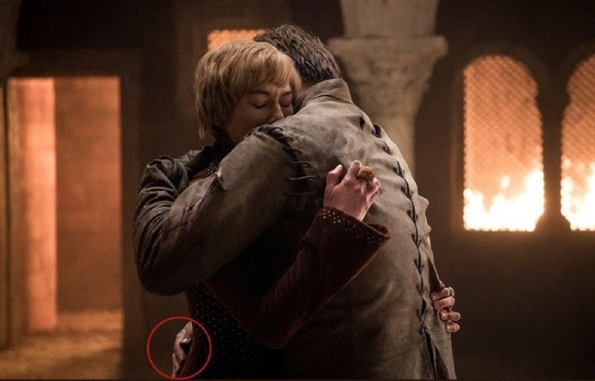 After Starbucks coffee cup fiasco, fans notice another editing error in 'Game of Thrones'
