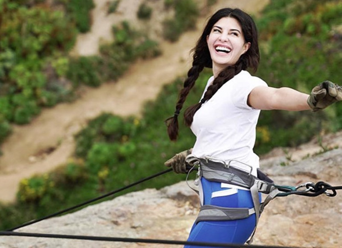 Jacqueline Fernandez's training video will give professionals a run for their money!