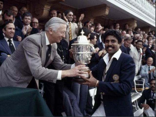 Kapil Dev with 1983 World Cup. Pic: @ICC/ Twitter