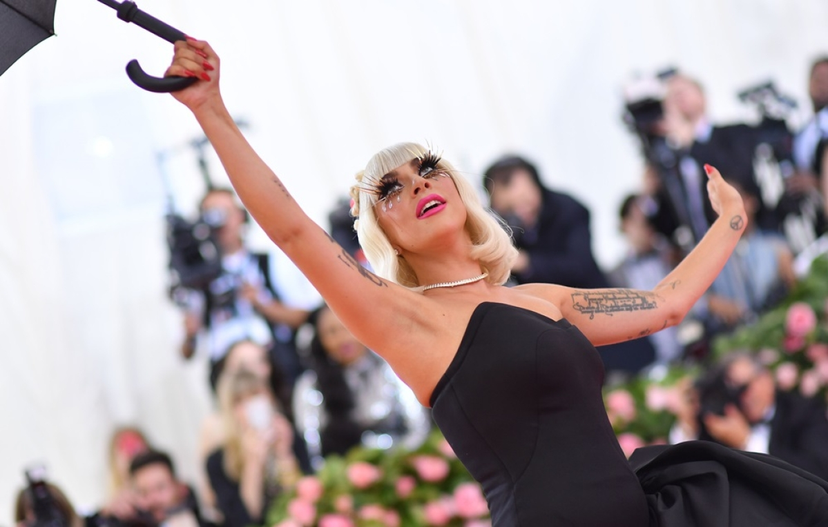 Met Gala 2019: Lady Gaga performs 4 dramatic costume changes on pink carpet