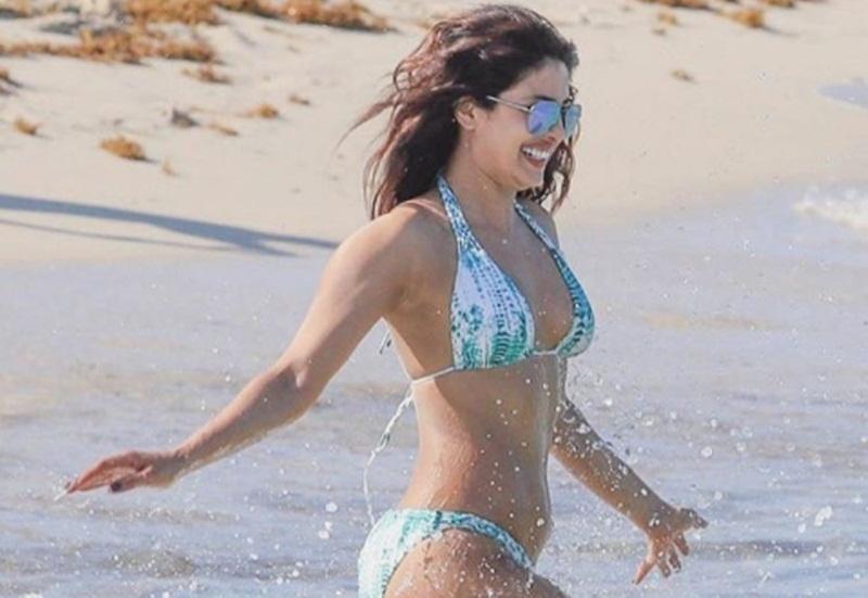 Miami Chopra Sexy Looks Super Hot At PicturesPriyanka Bikini In SVGMpqzU