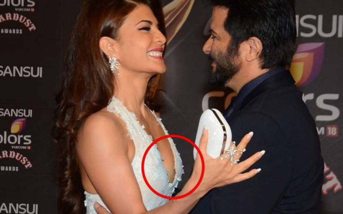 Oops! 10 Bollywood actresses who suffered embarrassing wardrobe
