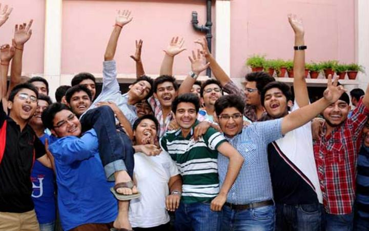CBSE class 10 result 2018 declared: Four toppers score 499/500