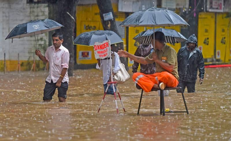 IMD warns of heavy rainfall in Mumbai