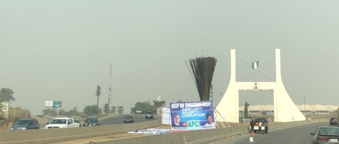 APC Mounts Giant Broom At Abuja's City Gate, Twitter Nigeria Reacts