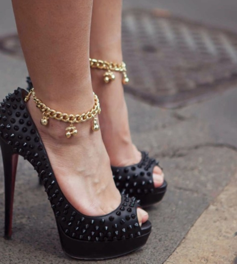 Five Reasons Why You Should Wear Anklets