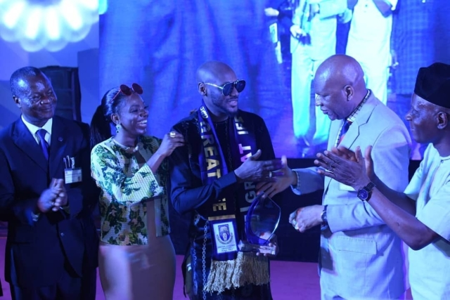 Tuface Idibia Receives Distinguished Fellow Award From Obafemi Awolowo University