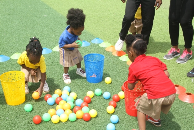 Filling the Basket game at Artville School Inter-house Sports