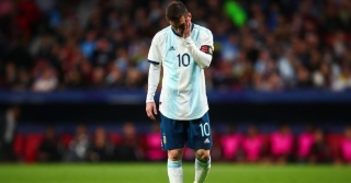 Barcelona Confirm Lionel Messi Injured Himself In Venezuela Defeat
