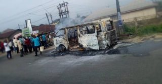 Fire Razes Bus Conveying School Pupils In Yenagoa