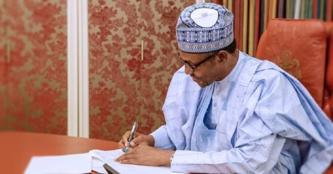 Buhari Signs N30,000 New Minimum Wage Into Law