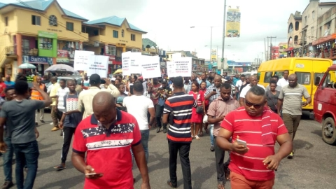Traders Protest the Installation of 'Iyaloja' & Babaloja in Computer Village (Photos)