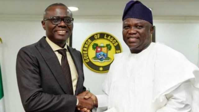 Ambode Hands Over To Sanwo-Olu Ahead Of Inauguration