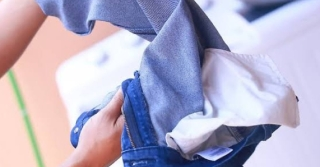 5 Easy Tips On How To Wash Your Jeans Right