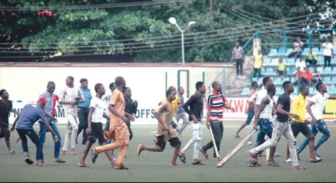 Referee Escapes Mob Attack As Rabiu Ali And Kano Pillars Fans Turn Violent After Game