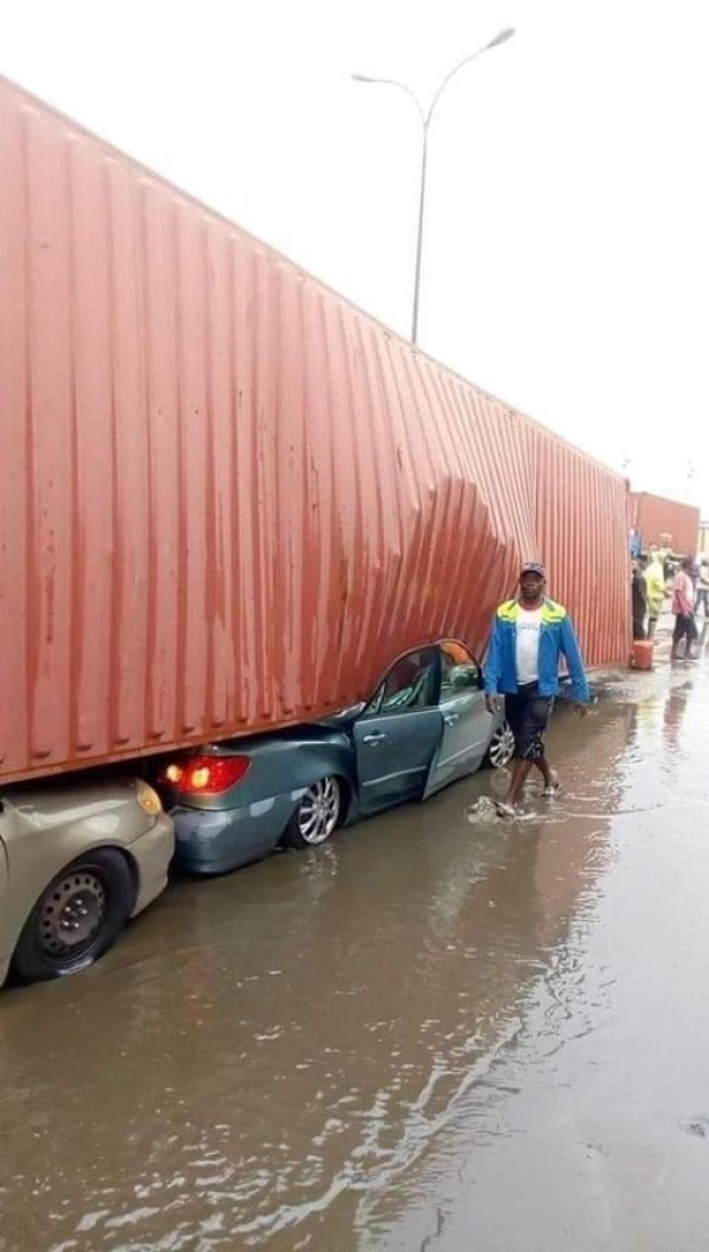 40-Feet Container Falls And Crushes Two Cars In Apapa
