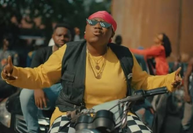 "Teni on set of her hit song ""Case"""