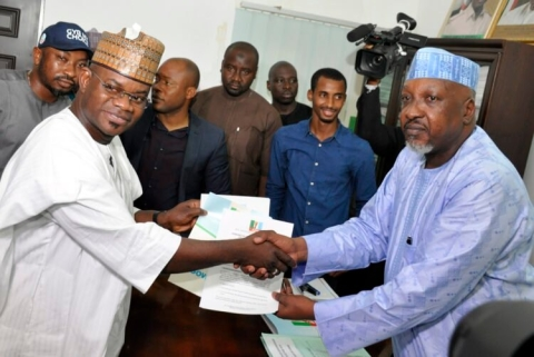 Bello receiving nomination form