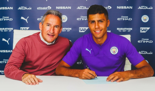 """Manchester Is Becoming More Blue!"" - Man City's Record Signing, Rodri Shades Man United"