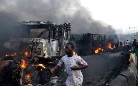 Petrol Tanker Explosion Kills 3, Razes 19 Vehicles In Niger State