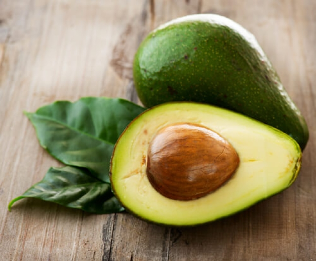 Avocado fruit can also be used as face mask