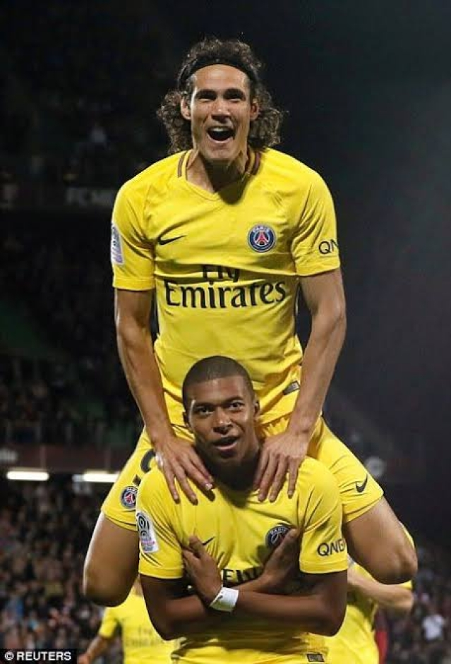 Cavani (UP) and Mbappe (DOWN)