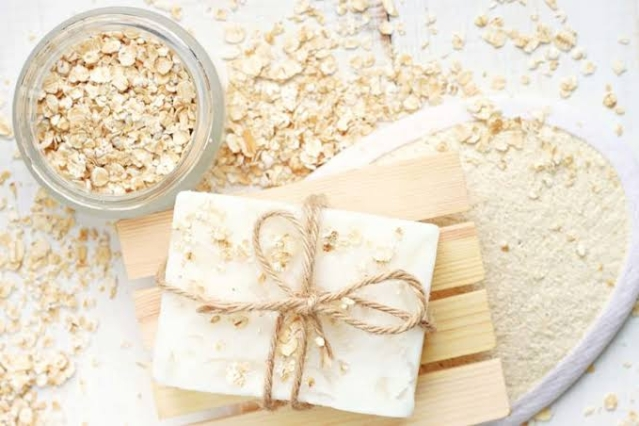 Oat meal can be used as an organic face mask