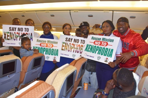 Air Peace CEO, Mr Allen Onyema Welcomes Back The Nigerians Stranded in South-Africa