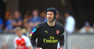 Cech Comes Out Of Retirement To Sign For Ice Hockey Team
