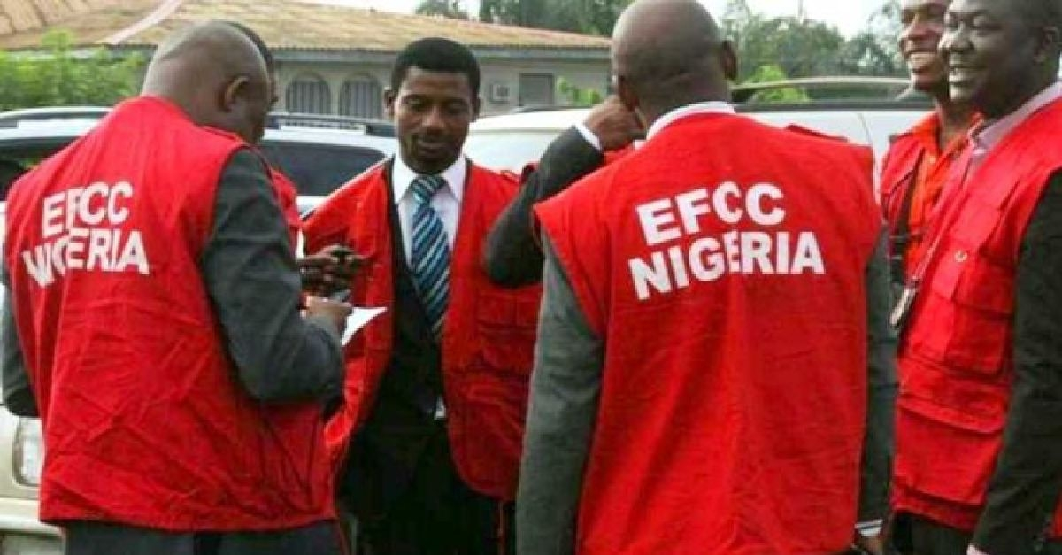 EFCC Hands Over N111M Recovered Kwara Loot To Governor Abdulrazaq