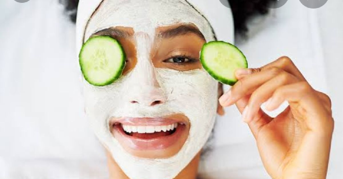 4 Easy And Natural Fruity Facials For Glowing Skin