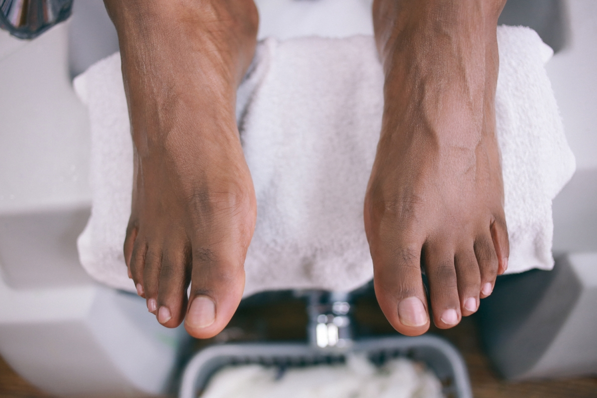 6 Ways To Remove Dry Skin From Your Feet