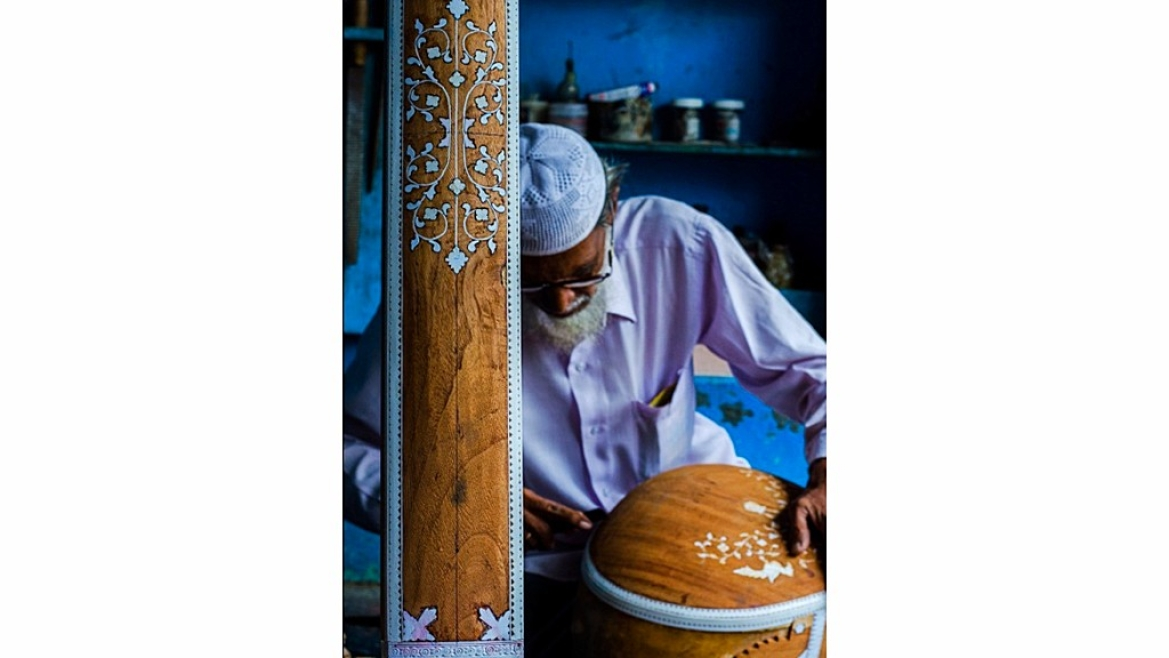 The tradition of making musical instruments in Miraj started in 1850
