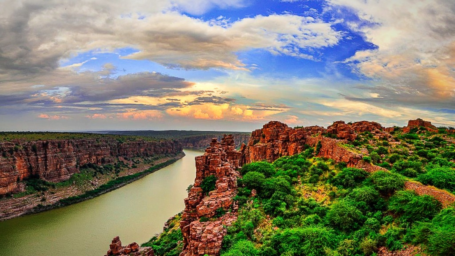 Gandikota: The Grand Canyon of India Travel Blog