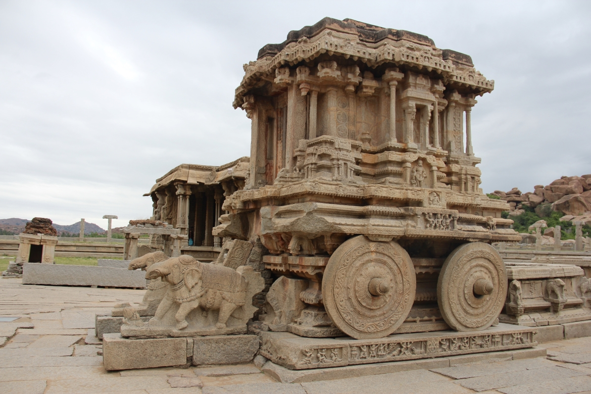 The stone chariot at the Vithala templex complex in Hampi