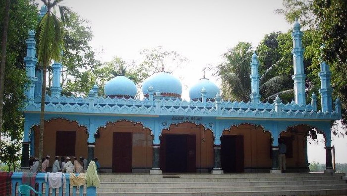 The madrassa next to which Mir Jumla's grave lies