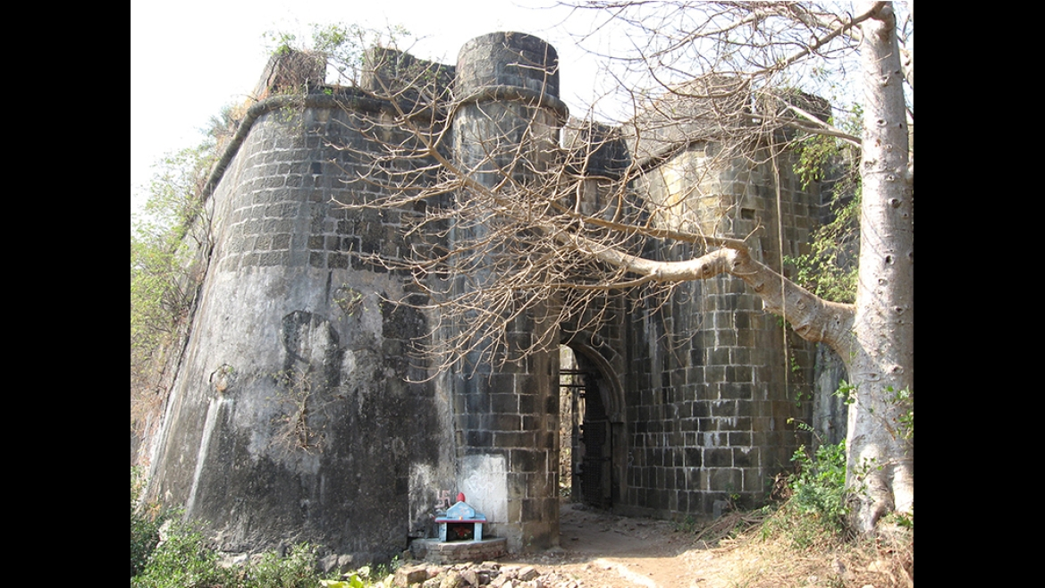 The entrance of the fort towards the sea